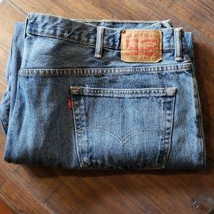 Levi 560 jeans